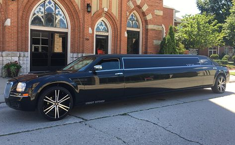 Limo Chrysler 300C reserve in Wisconsin